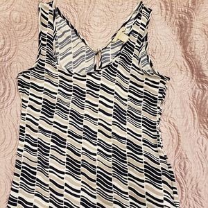 Banana Republic sleeveless top with designs- small